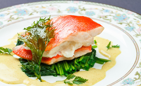 写真:フルコース魚料理